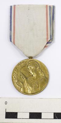 Medal, Recognition