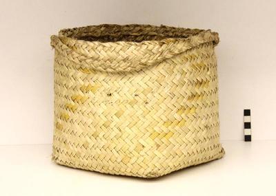 Kete / Basket; Circa 1940s; PA2009.043