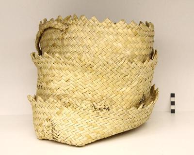 Kete / Basket; Circa 1940s; PA2009.044