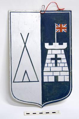 Crest; PA2011.033