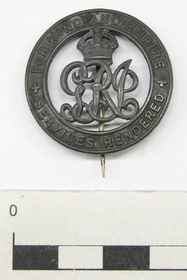 Badge, Service
