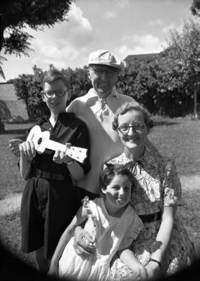 Swainson, Group; 12 Mar 1953; SW1953.0008