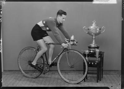Douglas Bond, Cyclist
