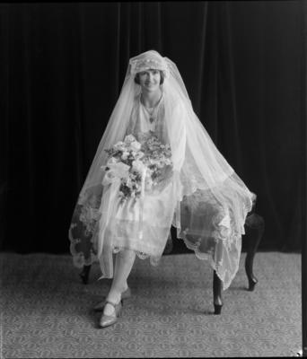 Healey, Wedding