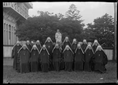 Convent, Group