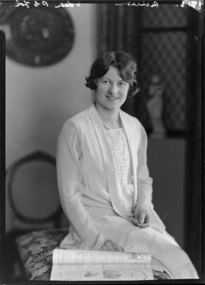 Richardson, Woman