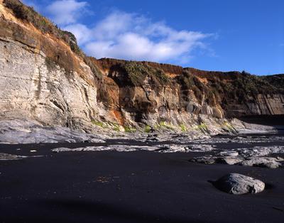 Tongaporutu Coastline - cliffs behind Lion Rock, Te Kawau pā, 9 November 2003; 09 Nov 2003; PHO2008-391