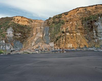 Tongaporutu Coastline - cliff collapse, Beach One, 7 March 2004; 07 Mar 2004; PHO2008-707