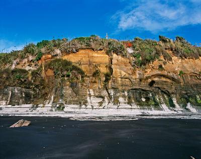 Tongaporutu Coastline - cliff sequencing, Te Kawau pa, 8 March 2004