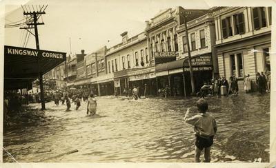 Flood of 21 February 1933, New Plymouth; 21 Feb 1933; PHO2009-106