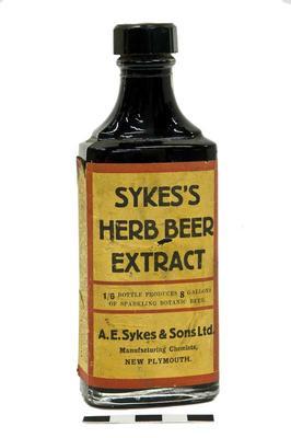 Bottle; 1916-1950s; PA2008.080