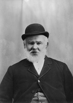 Mr Henry Revell