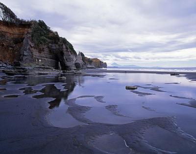 Tongaporutu Coastline -Four Brothers Beach, 11 January 2009