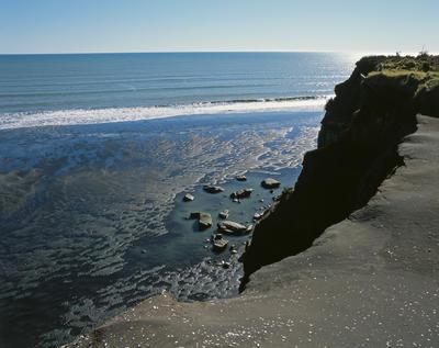 Tongaporutu Coastline - Family of Rocks, 1 August 2004