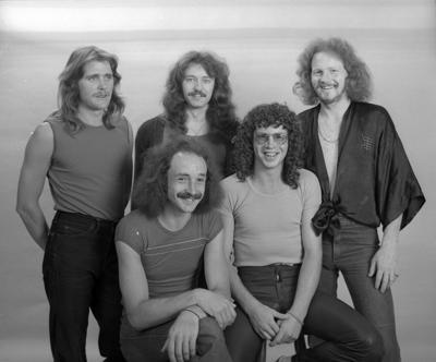 'Cruze', Band