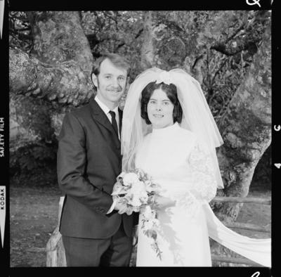 Jones, Wedding