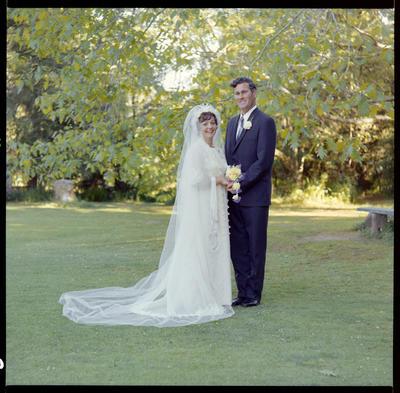 Crowe, Wedding