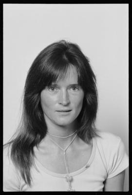 Martin, Woman