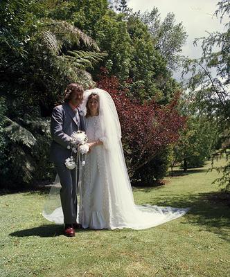 Gillett, Wedding