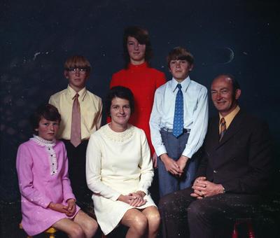 Banks, family group