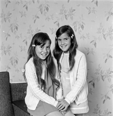 Suzanne & Deborah Harris