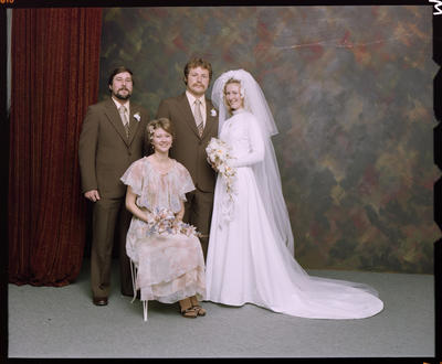 Hine, Wedding