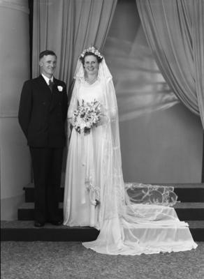 Maurice & Dorothy Smillie, Wedding