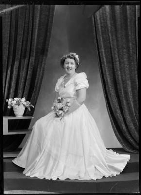 Betty Jones; 28 Aug 1951; SW1951.1627