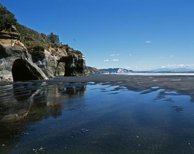 Tongaporutu Coastline - Rapanui Beach, 26 October 2003
