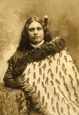 Hana Taukawha (Mrs Studholme Thompson)