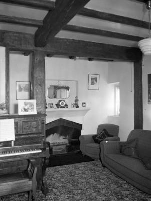 Interior view, 'Riverside', Inglewood; Circa 1930; PHO2010-0417