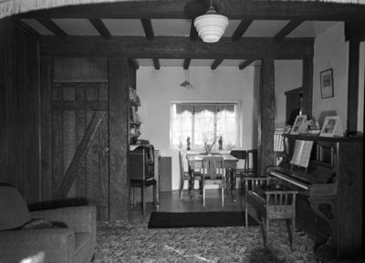 The dining recess, 'Riverside', Inglewood; Circa 1930; PHO2010-0420