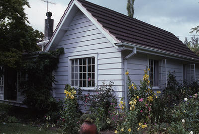 'Lyndale', Carrington Road, New Plymouth