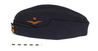 Cap, Forage