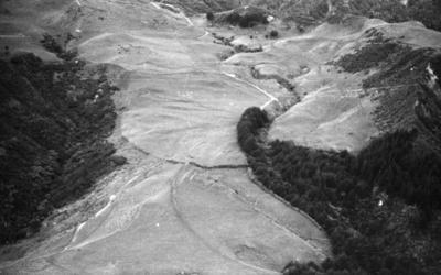 Ngarauarua pā, Pukearuhe; 16 Jun 1963; AGB-1055