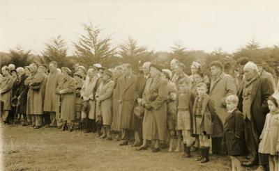Unveiling of Te Rangi Hiroa birthstone, Urenui domain