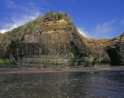 Tongaporutu Coastline - cliff sequencing, Rapanui South Beach, 12 November 2008