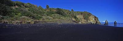 Tongaporutu Coastline - Three Sisters Beach, 11 July 2010