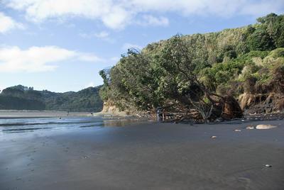 Tongaporutu Coastline - Three Sisters Beach, 29 July 2011; 29 Jul 2011; PHO2012-0541