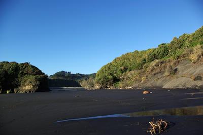 Tongaporutu Coastline - Three Sisters Beach, 8 April 2012