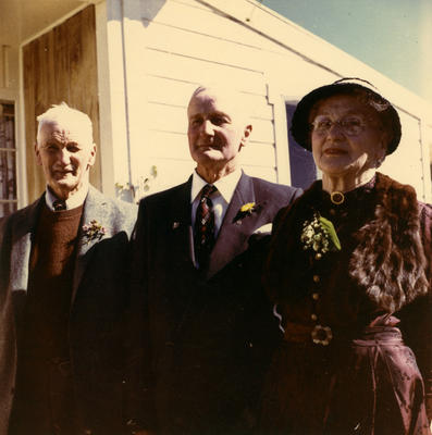Leolin Davies, Victor Caddy Davies and Dorothy Davies.; Unknown; PHO2013-0144