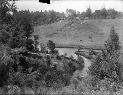The Top Lake with Newton King's house 'Brooklands'; Jan 1890; PHO2015-0025