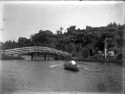 Brooklands lake; Jan 1890; PHO2015-0027