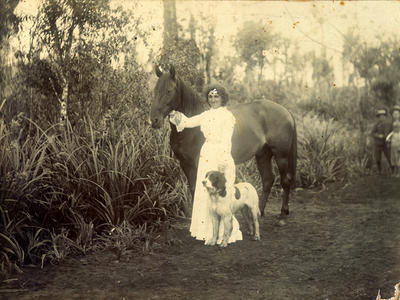 Miss Fredrica Worm with horse and dog; 1902; PHO2015-0090