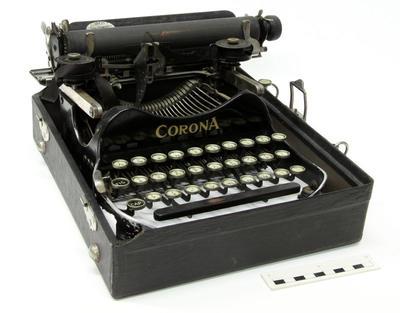 Typewriter, Manual; Circa 1912-1930; PA2010.108
